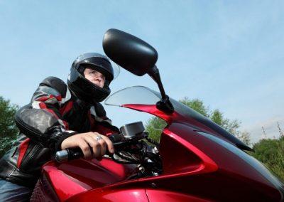 Élève cours de conduite à Montréal, Laval et la Rive-Nord - École de Conduite Moto Jean-Pierre Chenu