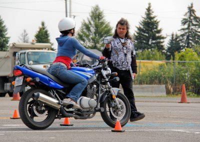 Élève cours de conduite de moto à Laval - École de Conduite Moto Jean-Pierre Chenu à Laval