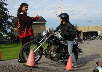 Instructeur de cours de condutie de moto à Laval - École de Conduite Moto Jean-Pierre Chenu à Laval